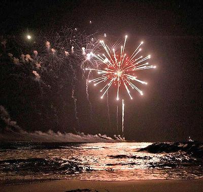 beach fireworks 1.jpg