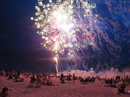 beach fireworks 2.jpg
