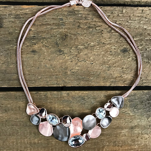 Caracol Overlap Pebble Necklace