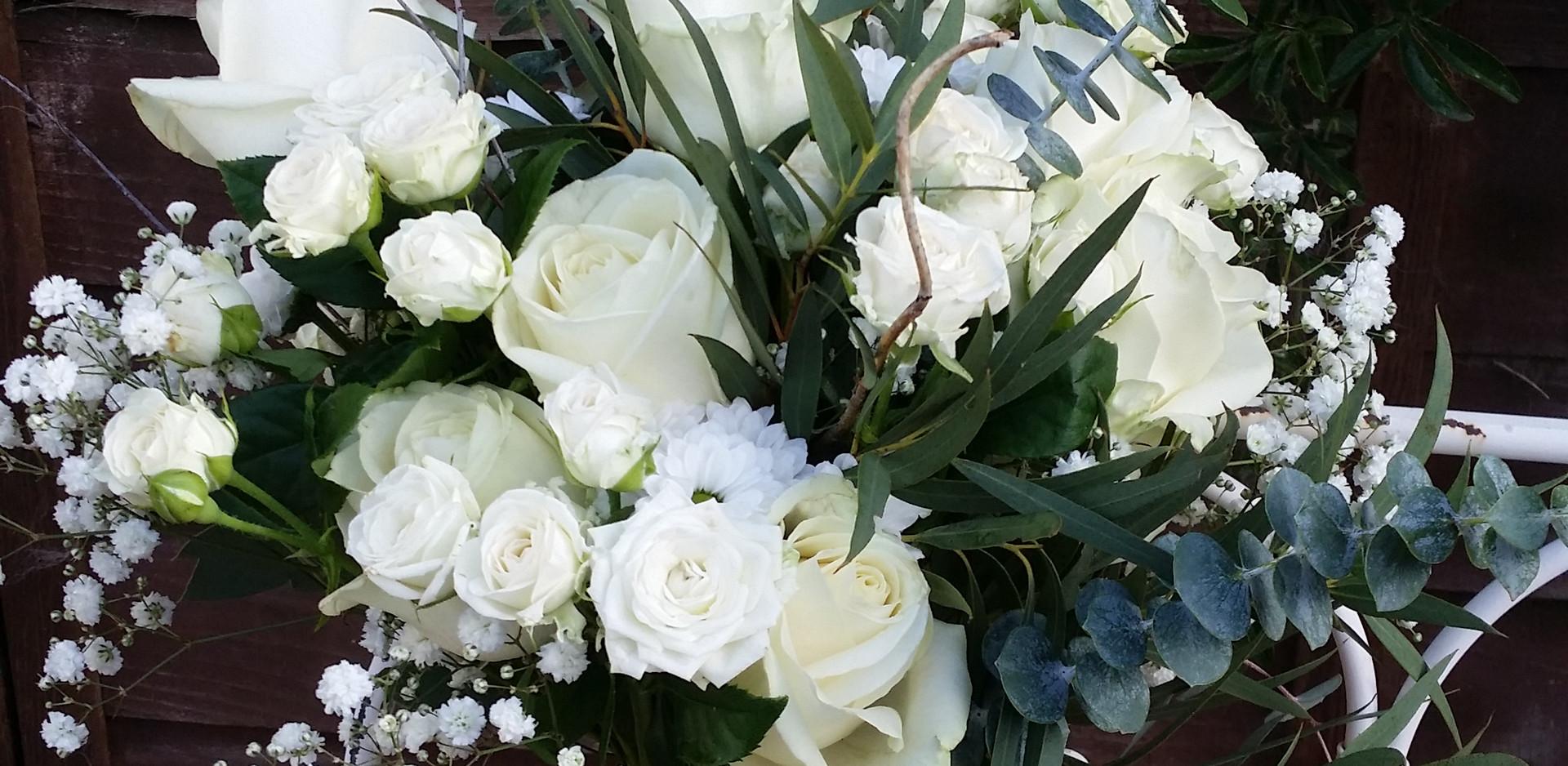 loose handtied bouquet.jpg