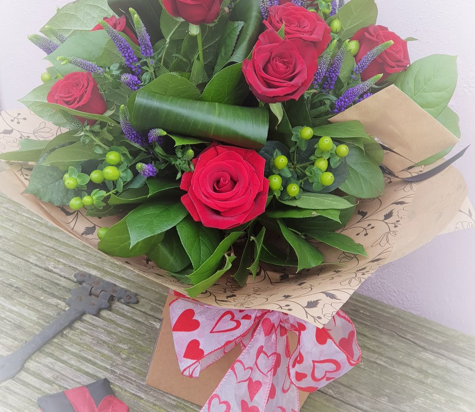 Red Rose Bouquet_edited.jpg