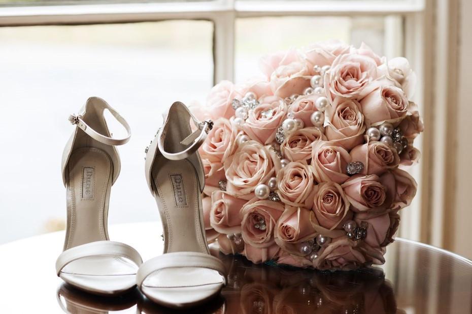 pink rose heart bouquet.jpg