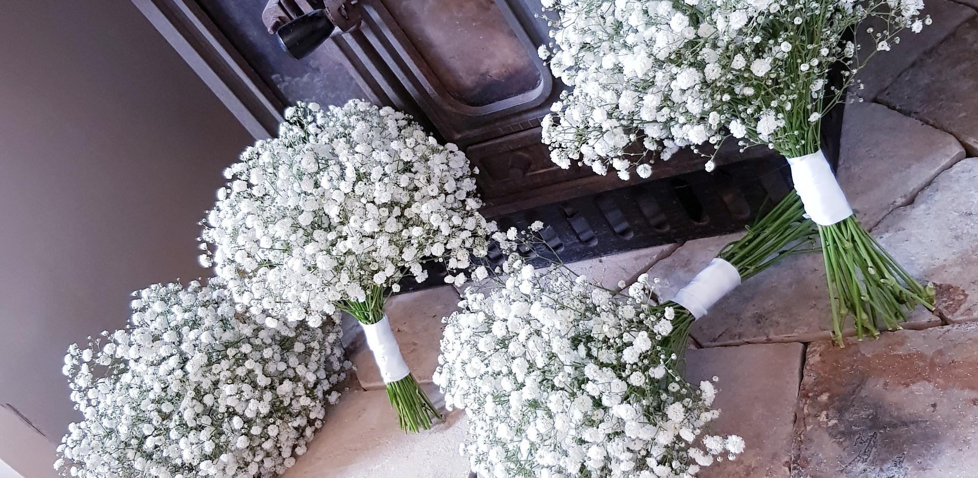 bridesmaids bouquets.jpg
