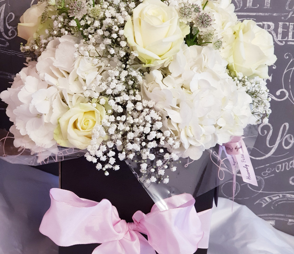 hydrangea and rose gift bouquet.jpg