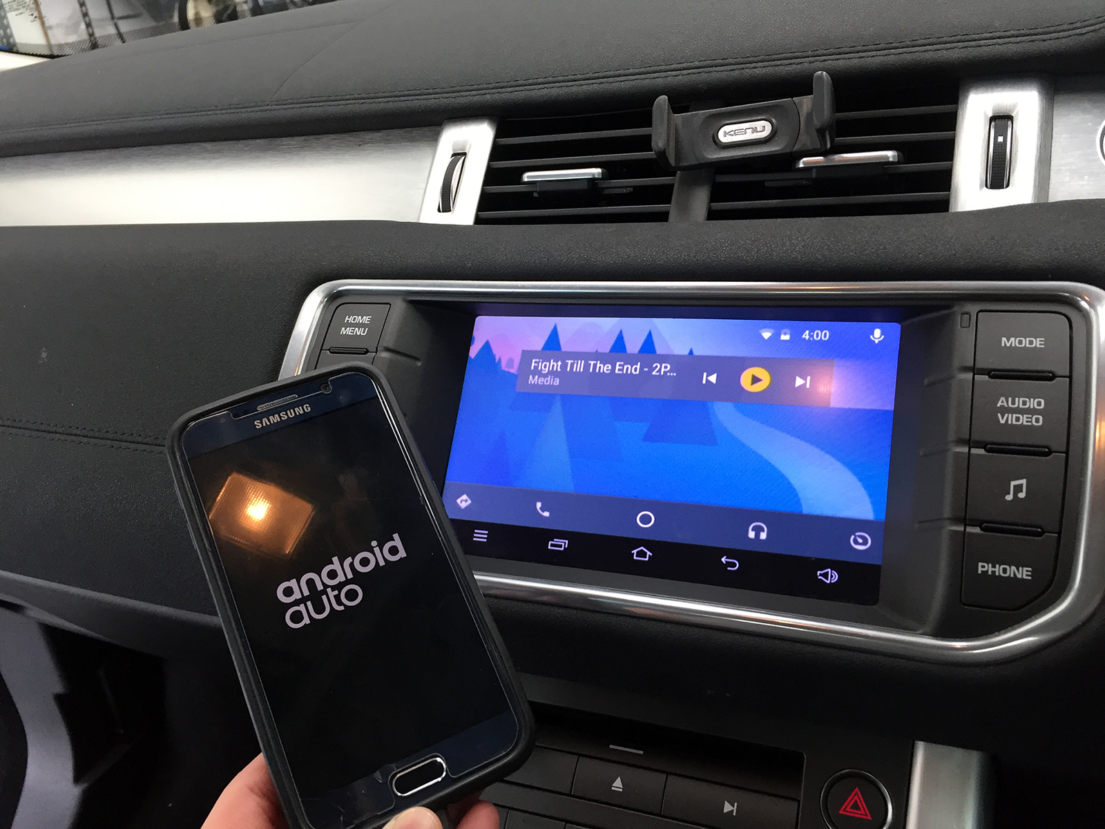 Apple CarPlay / Android Auto Retrofit for Land Rover & Range
