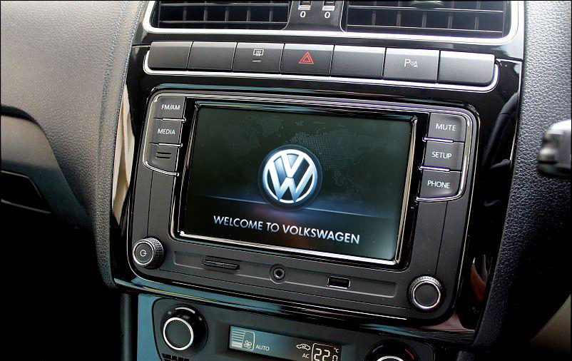"""Upgraded to VW Composition Touch 6 5"""" - RCD 330G Plus"""