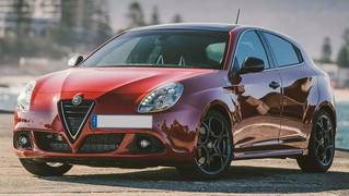 Alfa Romeo Giulietta - Reverse Camera Integration for Factory UConnect 6.5