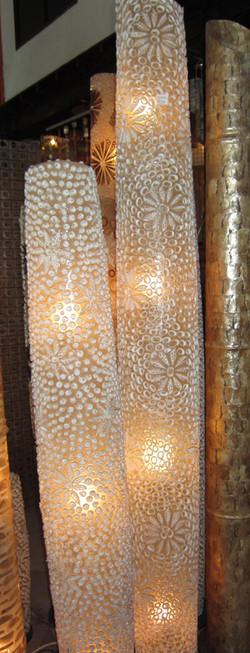 luminaria stand comprida com conchas
