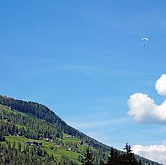 Paragliding in Ultentall, ITA