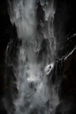 華厳の滝a