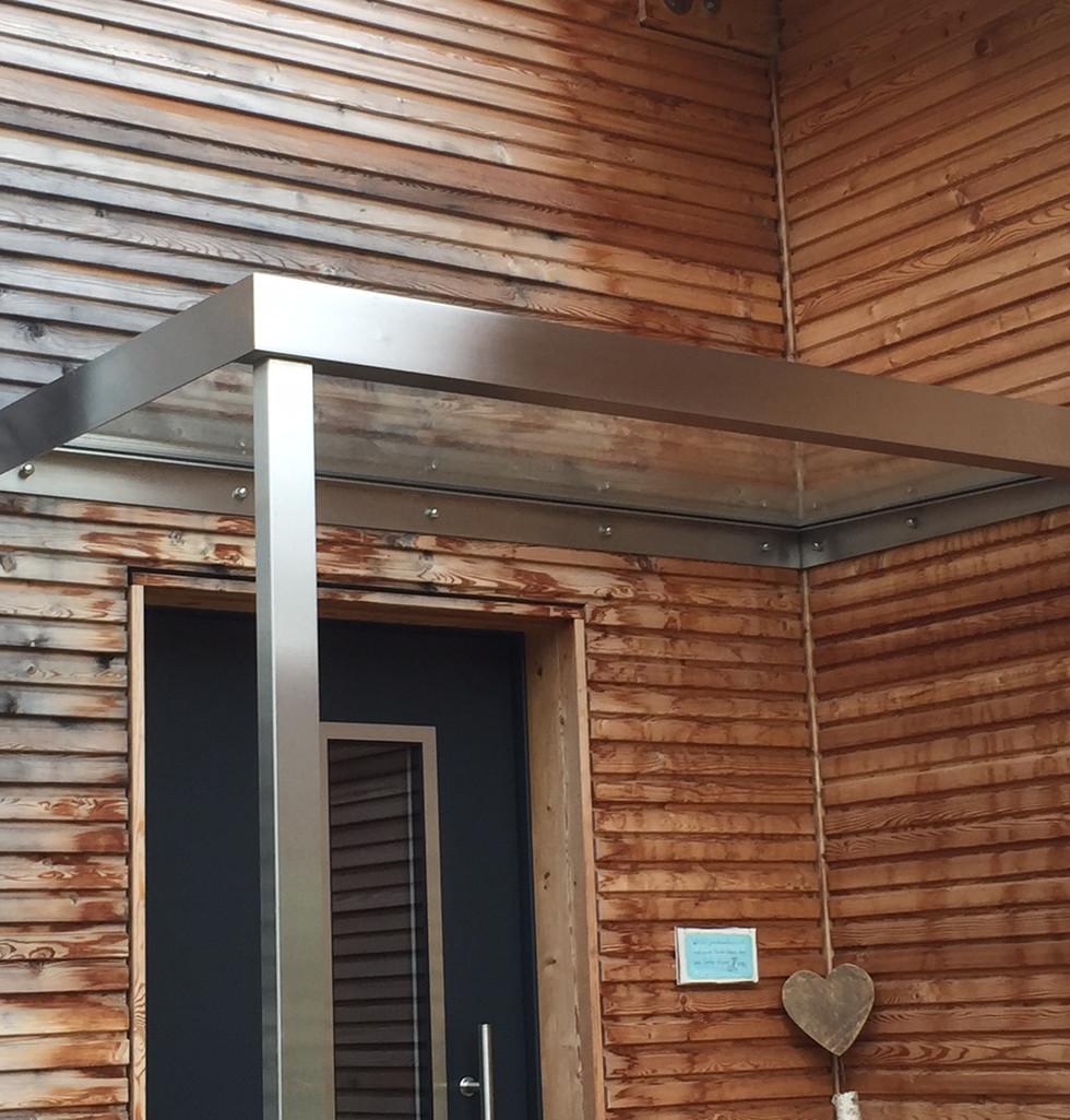 Vordach horizontal 2.JPG