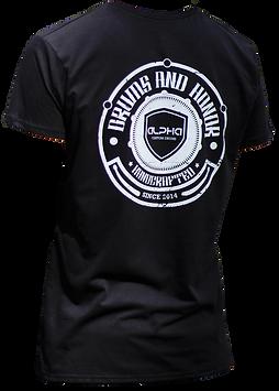 camiseta-negra-con-blanco.png
