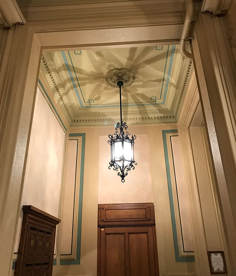 Entrée d'immeuble Lyon - rénovation et stylisation