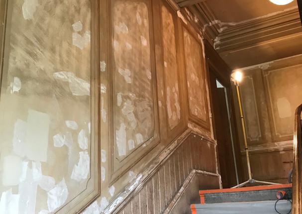 Préparation montée escalier château