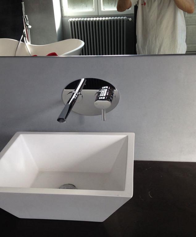 Salle de bain béton ciré - Vue vasque