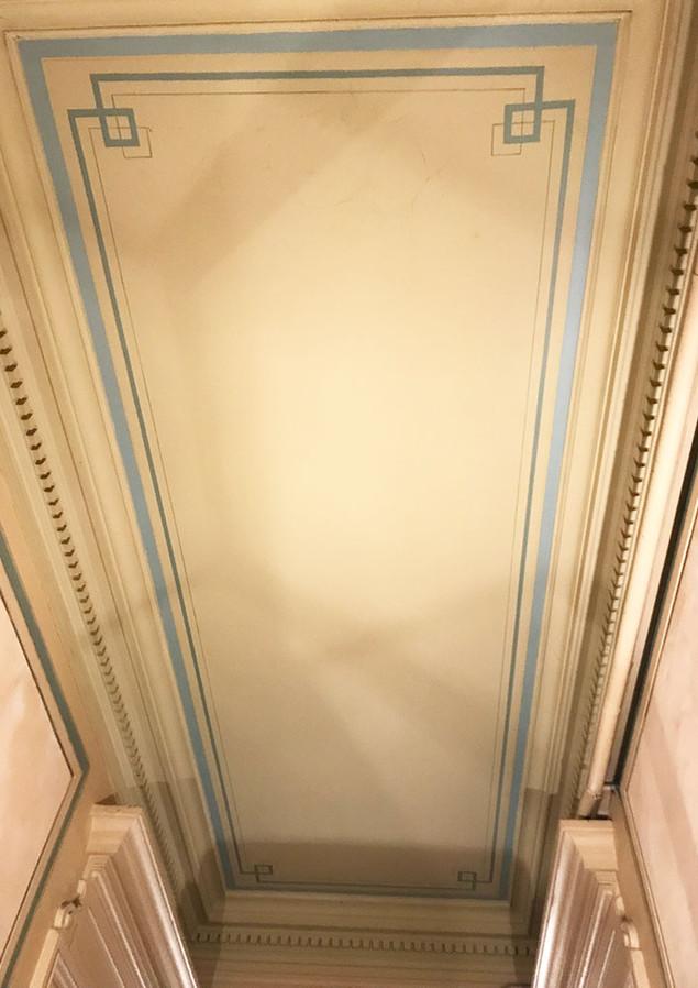Entrée d'immeuble Lyon - plafond stylisé