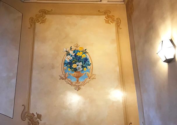 Entrée d'immeuble Lyon - stylistique et fresque figurative