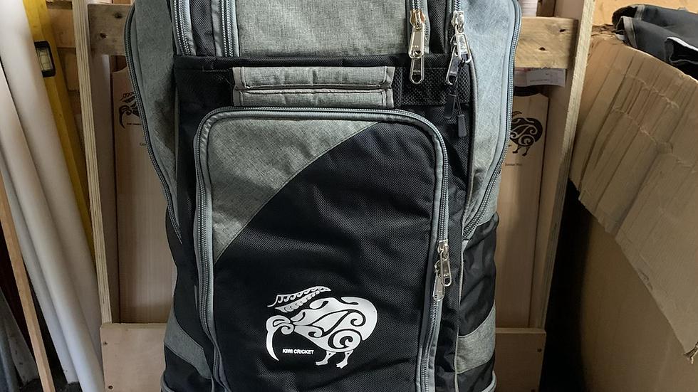 Kiwi Cricket Pro Wheelie Duffle Bag