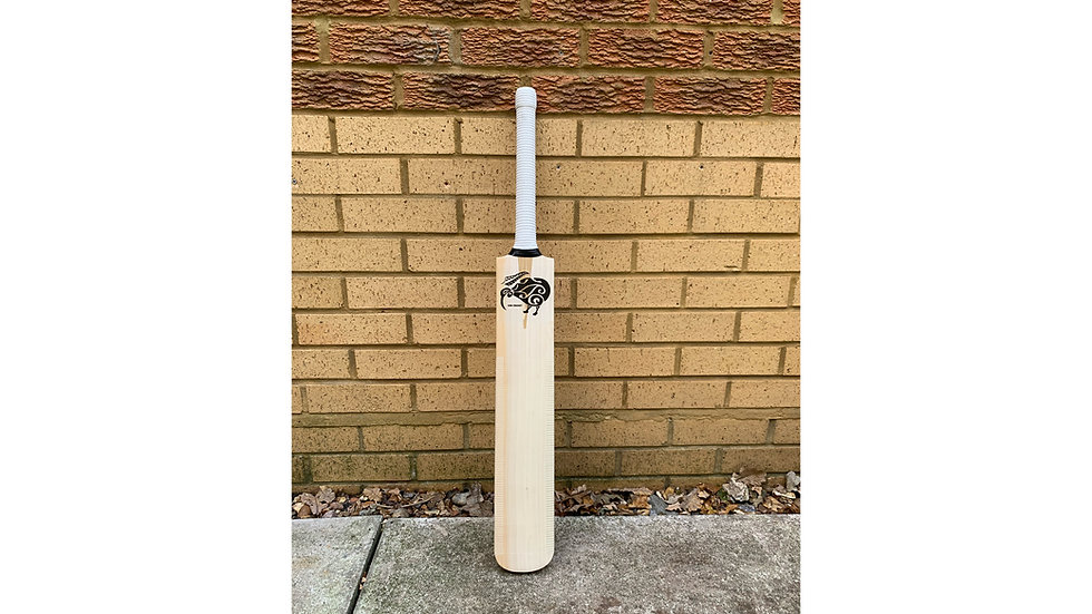 """Grade 1"" Kiwi Cricket Bat"