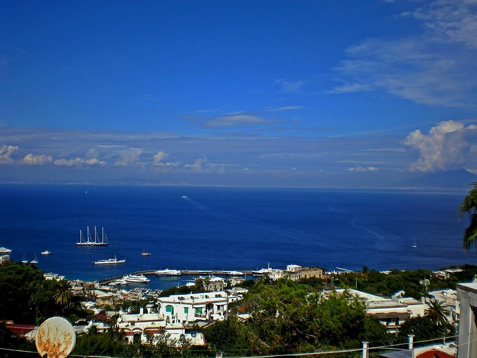 Ilha de Capri, Golfo de Nápolis, Campânia