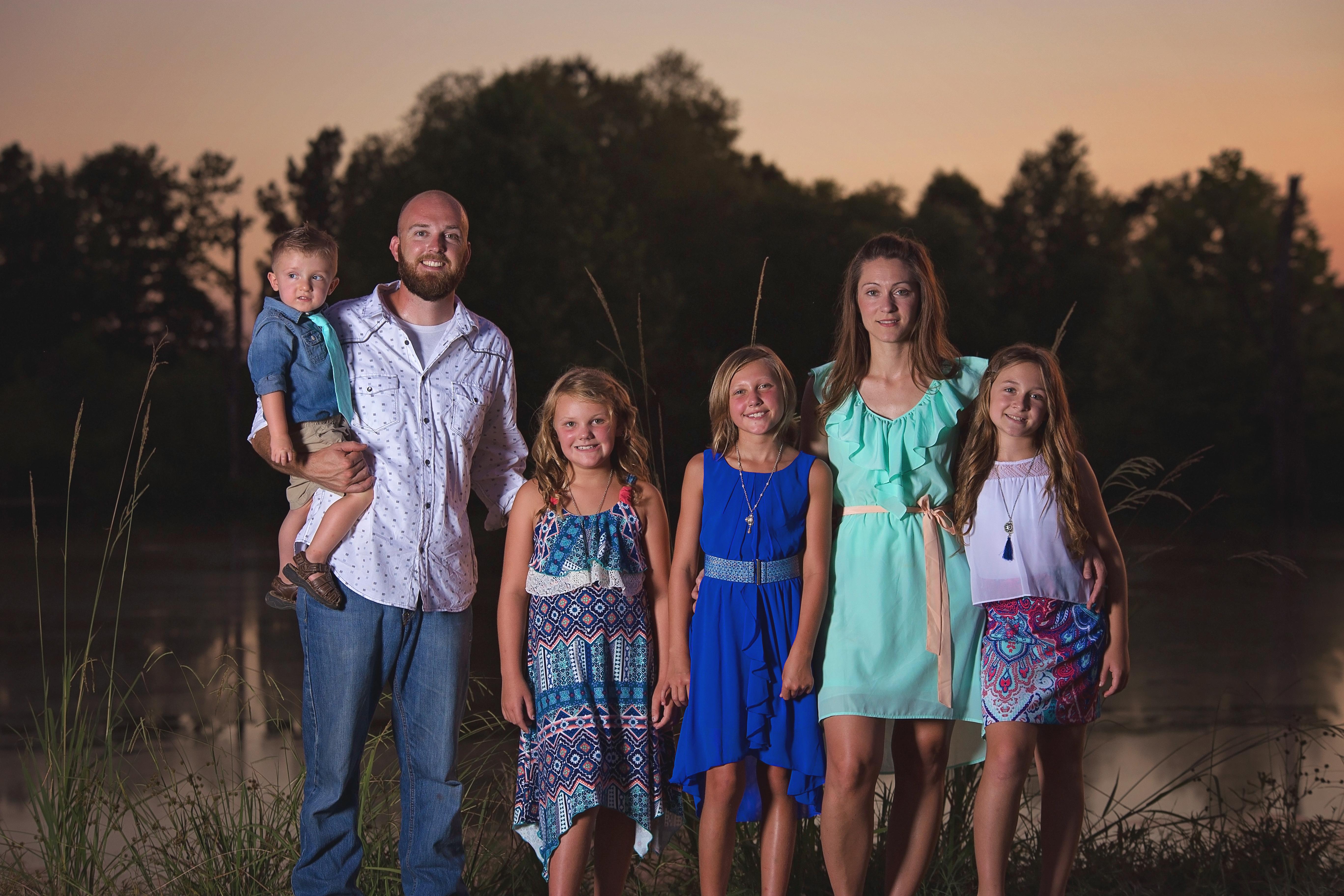 Outdoor Sunset Family Photography Texarkana, Texas