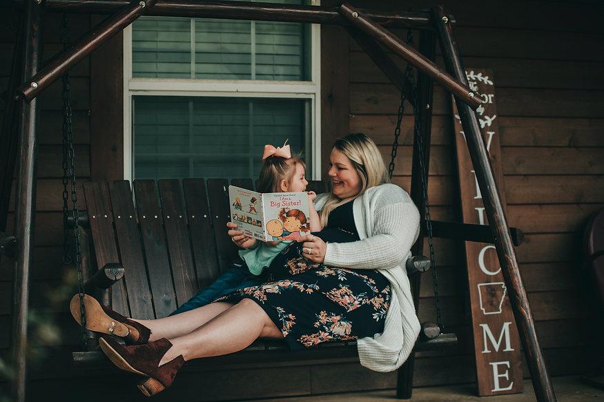 Outdoor Family Maternity Photographer Texarkana, Texas