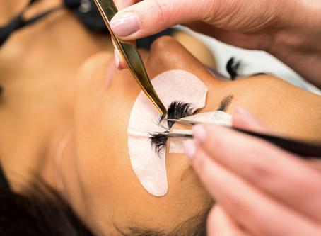 3 Benefits of Eyelash Extensions vs Mascara: Long, Full Lashes With Minimal Makeup
