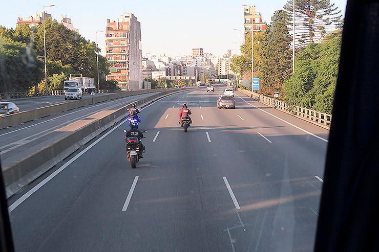 Fahrt zum Hotel mit Polizei-Eskorte