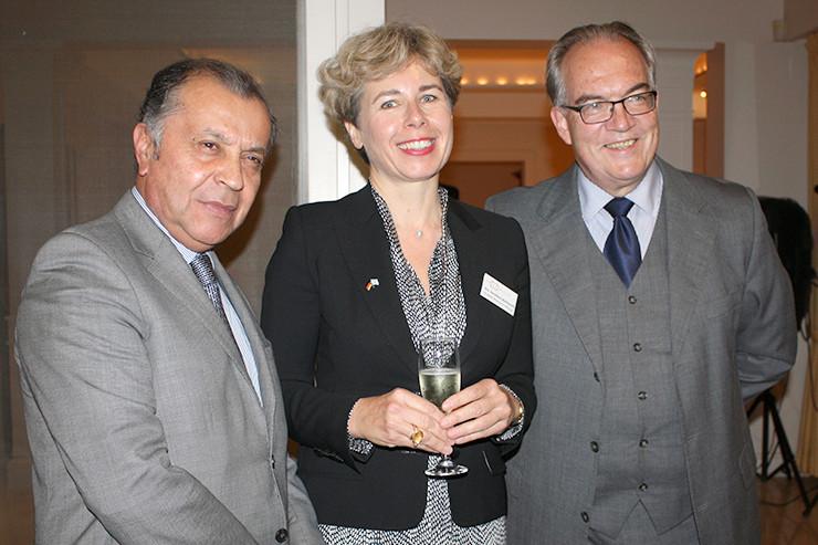 (v.l.n.r.) Der kolumbianische Botschafter Álvaro Pava Camelo, Dorothee Weitbrecht und der deutsche Botschafter Jürgen Christian Mertens.