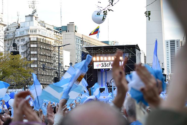 Die Menschenmenge feierte Macri