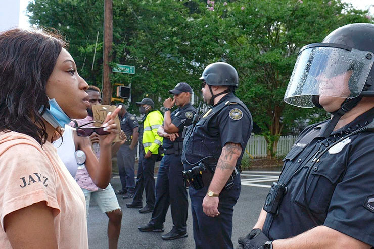 Erneut Polizeigewalt