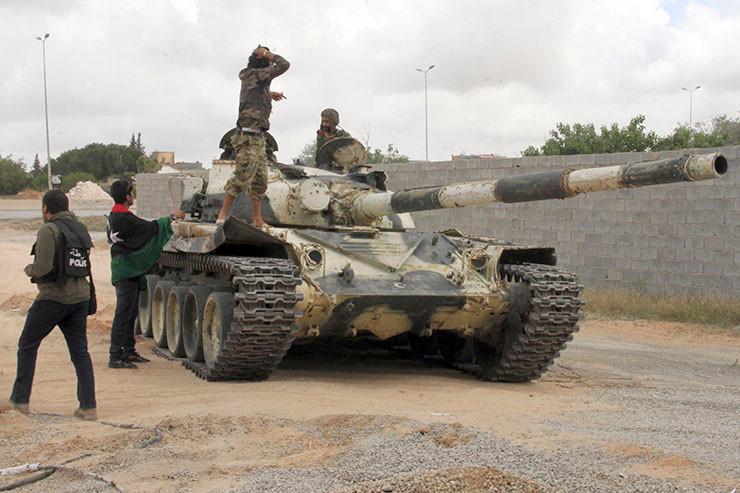 Regierungssoldaten in Tripolis.