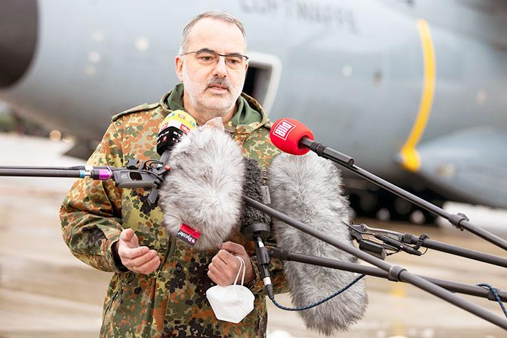 Bundeswehr-Sanitaetschef Baumgaertner