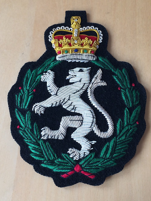 Womens Royal Army Corps (WRAC) gold wired padded Blazer Badge