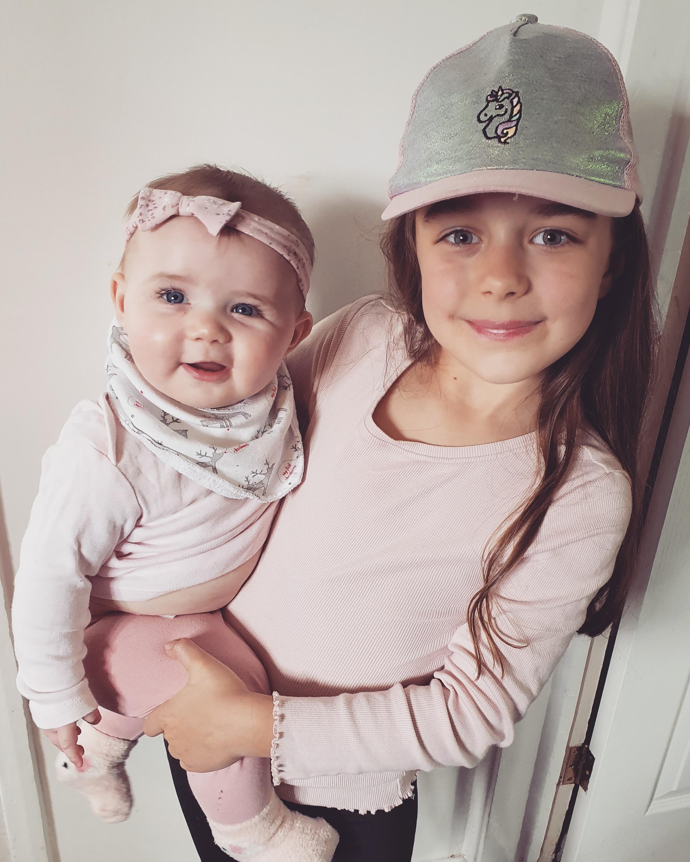 Sisters Mollie & Macie