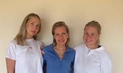Amanda Holt & daughters