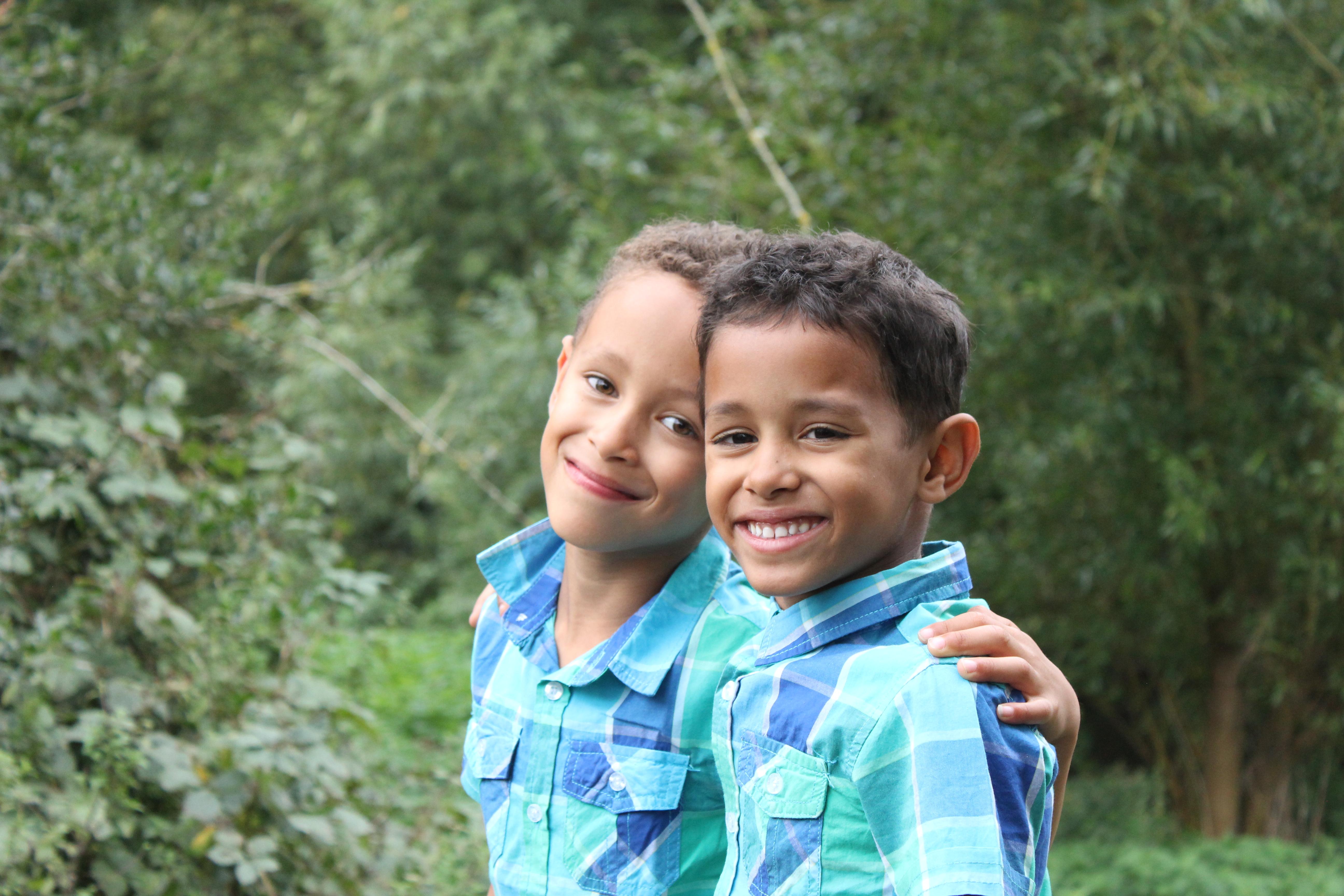 twins OSCAR & BAILEY MARTIN