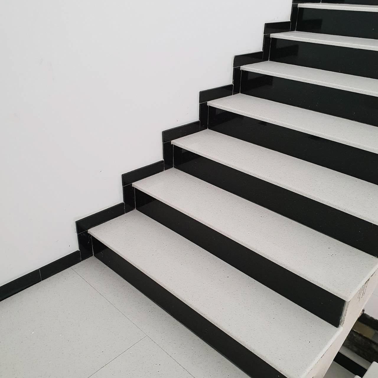 Quartz black & white