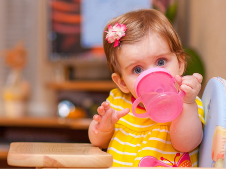 When Should My Baby Start to Drink from a Cup?