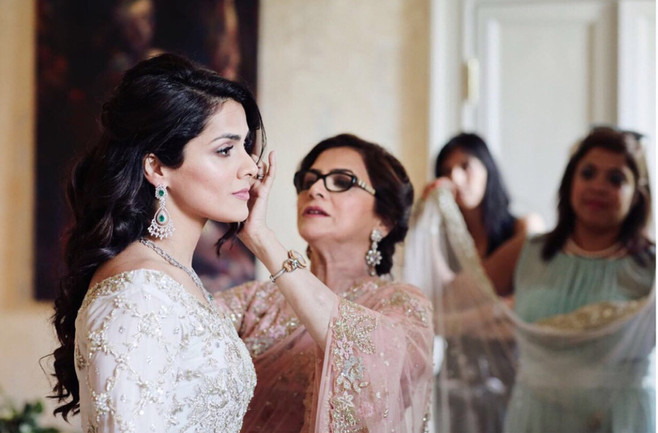 Luxury-Wedding-Villa-Regina-Teodolinda-Beauty Service.jpg