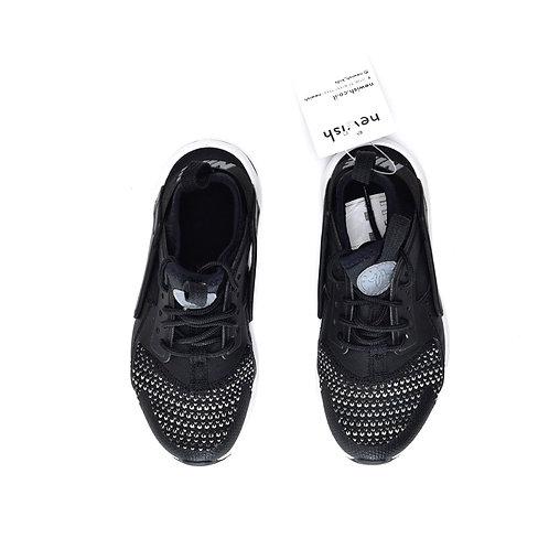 Size 28   NIKE   נעלי ספורט