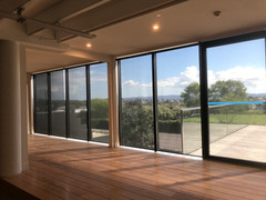 Sunscreen roller blinds chain operated