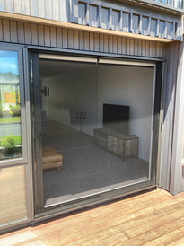 Pleated detachable door with black mesh