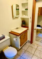La Salle de bain / The Bathroom