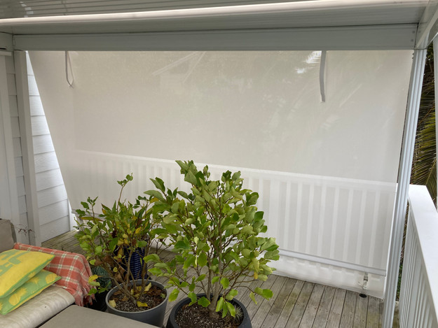Hand roll outdoor screen mesh Atmosphe