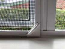 Magnetic insect screen white