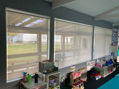 Roller blinds with sunscreen fabric