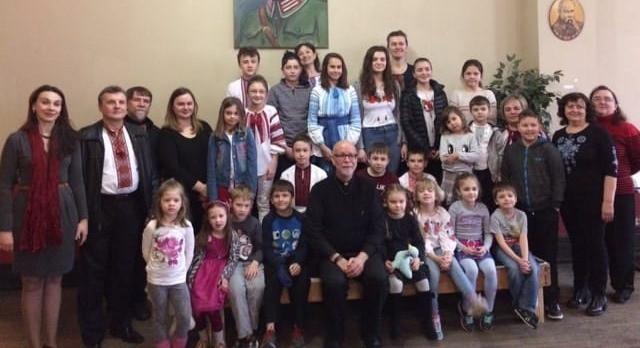 """Владика Стендфортський Павло Хомницький відвідав """"Рідну Школу"""""""