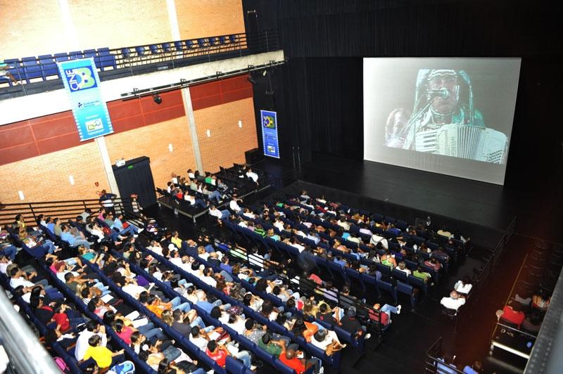 PRÉ-ESTREIA GONZAGA DE PAI PRA FILHO