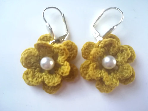 Flower lever back earrings
